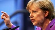 Merkel fordert Schulterschluss