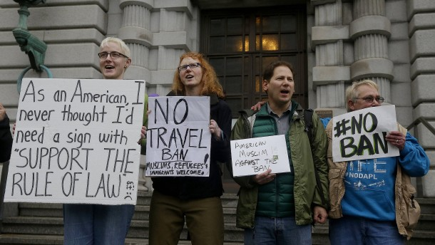 Trumps Einreisestopp bleibt vorerst ausgesetzt