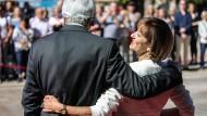 Der liebe Gott und meine Frau: Gattin Ursula ist Rückhalt und Stütze für den hessischen Ministerpräsidenten Volker Bouffier (CDU).