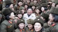 Ein Mann des Volkes? Die nette Fassade des Kim Jong-un ist situationsbedingt. Er kann auch anders.