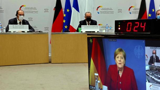 Merkel und Castex stellen sich den Parlamentariern