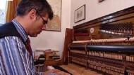 Der Klavierflüsterer Arno Stocker
