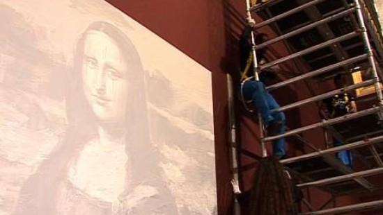 Mona Lisas Begräbnis wird im Louvre inszeniert