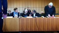 Vor seiner Flucht aus dem Gerichtsgebäude: Bandenchef Kakberidse im Landgericht Bochum