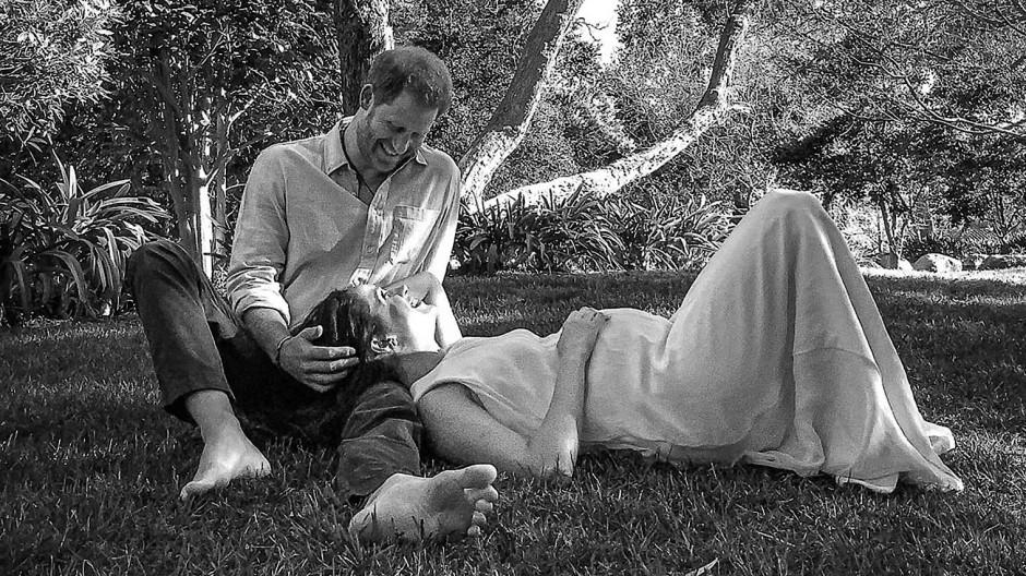 Ein Mann wie ein Baum, Meghan wie Noahs apokryphe Frau Haikal in seinem Schoß: Gruppenbild zum Valentinstag.