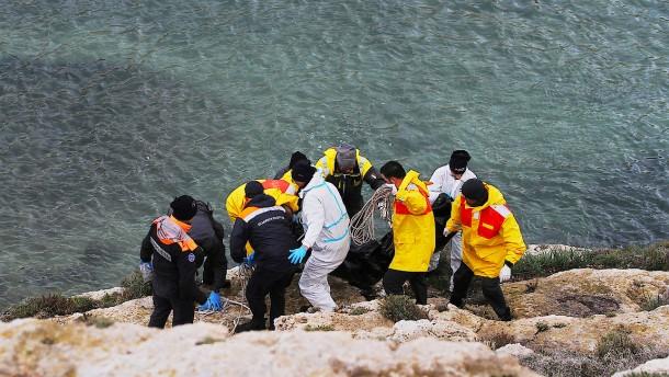 Leichen vor Lampedusa geborgen