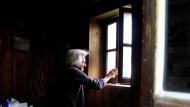 Ein Blick aus dem Fenster offenbart Freiheit und Heimat.