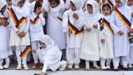 """""""Wie soll ein Muslimsein ohne Islam funktionieren?"""": Bei der Eröffnung einer Ahmadiyya-Moschee in Hanau im Mai 2015"""