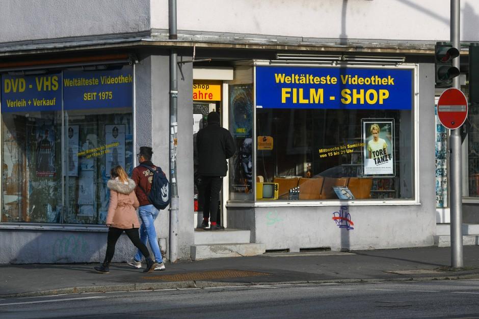Film-Shop: nicht nur eine Videothek, sondern eine Mischung aus Filmverleih, Museum und Kultur-Veranstaltungsort.