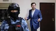 Kremlkritiker Dmitrij Gudkow am Dienstag bei seiner Festnahme in der Nähe von Moskau