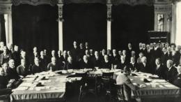 Völkerbund wird zehn Jahre alt