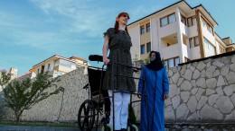Diese 24-Jährige ist die größte Frau der Welt