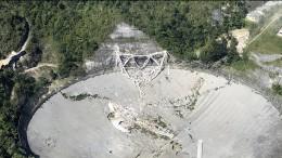 Riesiges Radioteleskop fällt in sich zusammen