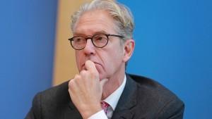 """Kassenarztchef kritisiert """"Regelungswut"""" der Bundesländer"""
