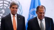 Pakt mit dem Teufel: Sergej Lawrow und John Kerry am Rande der UN-Generadebatte in New York.