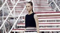Ganz beschwingt: Ralf Simons Entwurf für Dior.
