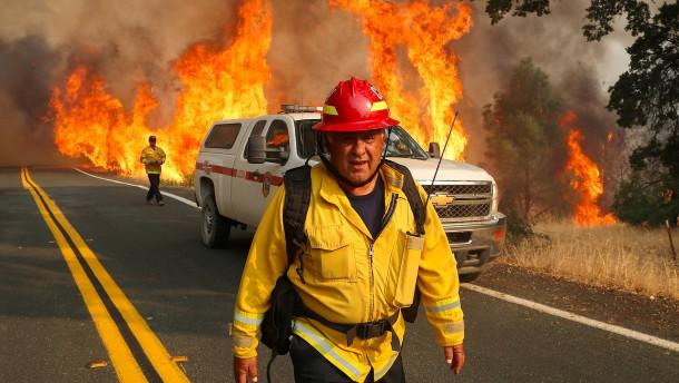 Schwere Waldbrände bedrohen die Region