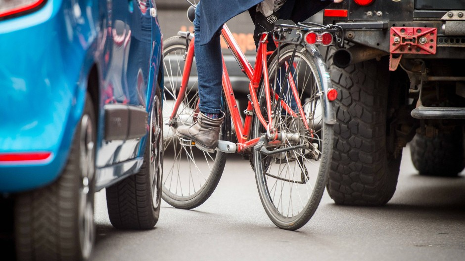 Kritische Masse erreicht: Viele Fahrradfahrer in Hessen beklagen mangelnde Sicherheit und zu wenig Platz.