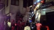 Mindestens 17 Schülerinnen sterben bei Brand in Wohnheim