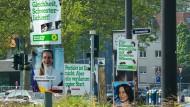 Wahlkampf ist, wenn die Plakatwälder sprießen: Eine Europa-Kampagne ohne Poster und Papier ist selbst für die meisten Kandidaten der Grünen noch eine Illusion.