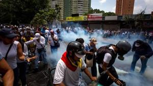 Demonstranten bei Protesten gegen Maduro erschossen