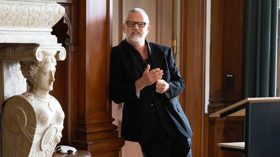 So arbeitet man in Bad Homburg: Peter Henning im Stadtschreiberdomizil der Villa Wertheimber.