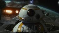 """BB-8 aus dem neuesten """"Star Wars""""-Film: Disney setzt auf den Kino-Kassenschlager."""