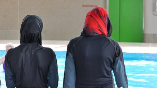"""Schwimmunterricht in """"Burkini"""" zumutbar"""