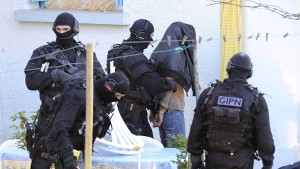 Neunzehn Islamisten festgenommen