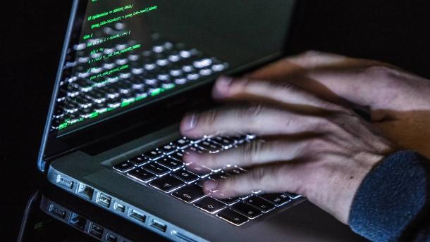 Wie-russische-Hackergruppen-gegen-politische-Akteure-in-Europa-vorgehen