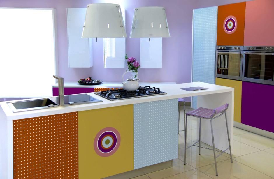 wie kombinierte accessoires alte k chen erneuern. Black Bedroom Furniture Sets. Home Design Ideas