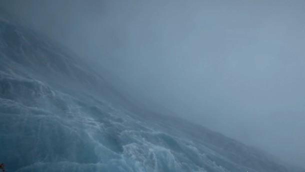 Schwimmende Drohne macht spektakuläre Aufnahmen