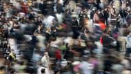 Bevölkerungswachstum: Etwa 7,55 Milliarden Menschen leben aktuell auf der Welt.