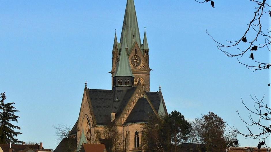 Stilistische Kopie: Die katholische Marienkirche mit neogotischen Anklängen von 1894.