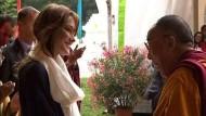 Dalai Lama trifft Frankreichs First Lady