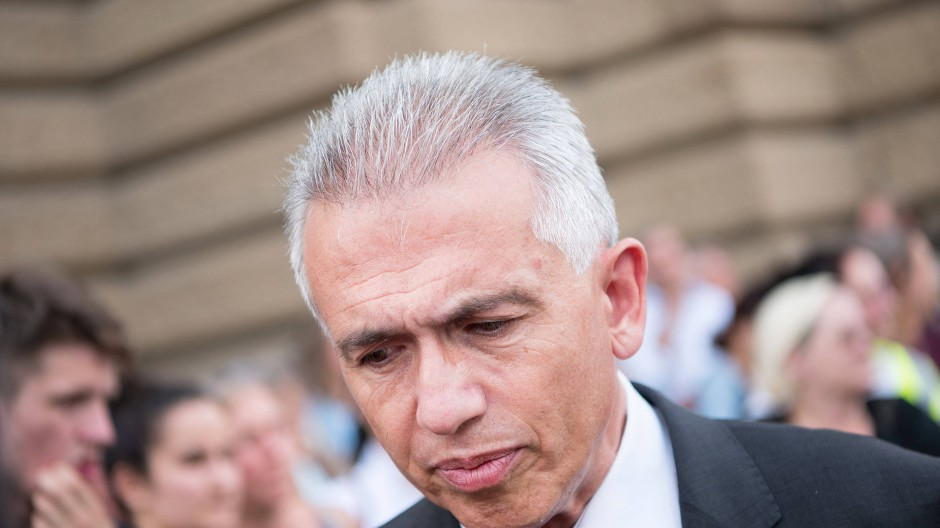 Unter Beschuss: Frankfurts Oberbürgermeister