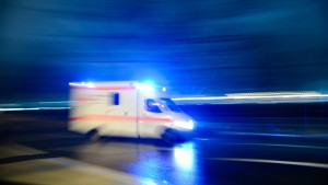 Motorradfahrerin stirbt nach Verkehrsunfall