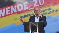 AfD-Vorsitzender Andreas Kalbitz beim Wahlkampfauftakt in Brandenburg. Wie eng war er mit der rechtsextremen Szene vernetzt?