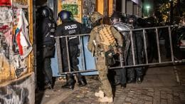 """""""In der Rigaer Straße zu wohnen, schützt nicht vor Strafverfolgung"""""""