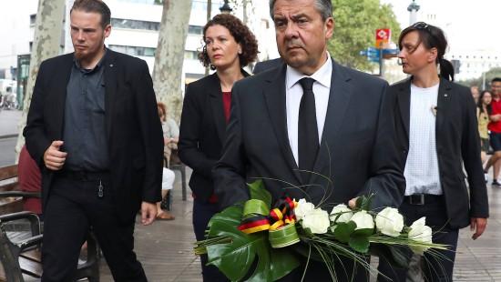 Außenminister Gabriel besucht Anschlagsort