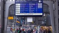 Streckensperrung bei Rastatt bremst Bahnfahrer aus