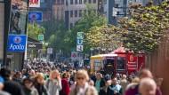 Ein richtiges Citymanagement soll her: Eine lange vom Frankfurter Einzelhandel erhobene Forderung könnte bald erfüllt werden.