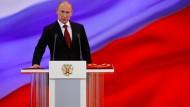 Déjà-Vu: Putin leistet 2012 seinen Eid als Präsident