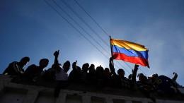 Regierungsgegner in Ecuador feiern
