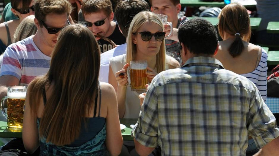 Volle Biergärten in München