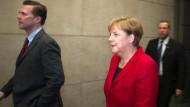 Angela Merkel auf dem Weg zum ZDF-Hauptstadtstudio