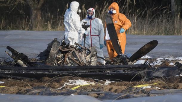Obduktion der Leichen nach Flugzeugabsturz beginnt