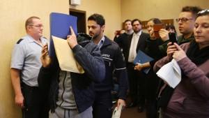Bewährungsstrafen in ersten Prozessen um Silvester-Gewalt