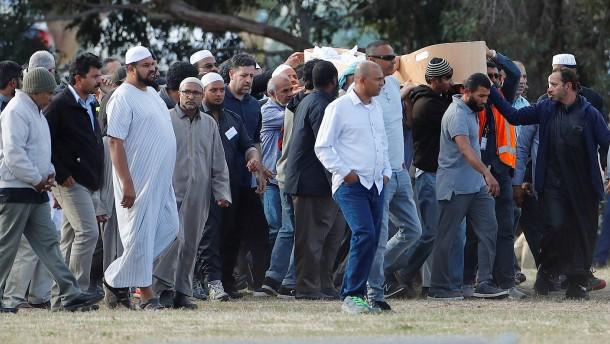Neuseeland Moschee Video: Nach Moschee-Attentat In Neuseeland: Erste Anschlagsopfer