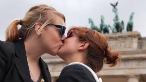 """Klare Mehrheit der Unionswähler will """"Ehe für alle"""""""